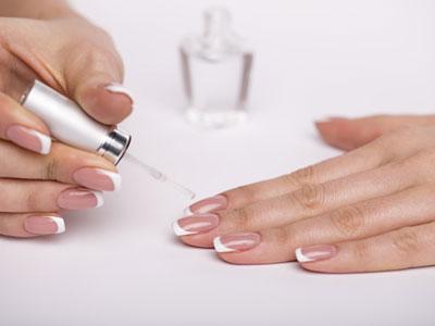 French Nails mit Schablonen oder frei Hand zeichnen